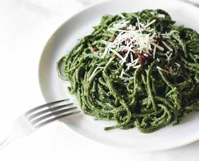 Chlorella Udon With Kale Pesto