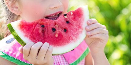 Children should be encouraged to eat different kinds of foods early